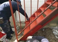 鉄部階段塗装工事👷