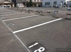 駐車場ライン引き直し工事